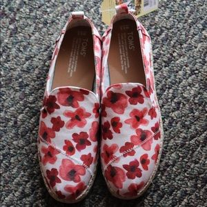 Toms Poppy Watercolor Floral Canvas